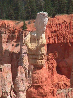 balanced rock at Bryce